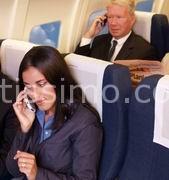 Il parlamento europeo prepara il via libera all'utilizzo dei telefoni cellulari in aereo